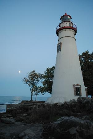 Victorian Inn Bed and Breakfast : Marblehead Lighthouse