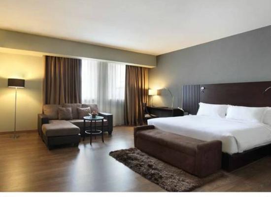 Hotel Santika Taman Mini Indonesia Indah-: Deluxe Suite