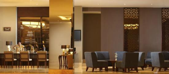 Hotel Santika Taman Mini Indonesia Indah-: Jali Jali Lounge