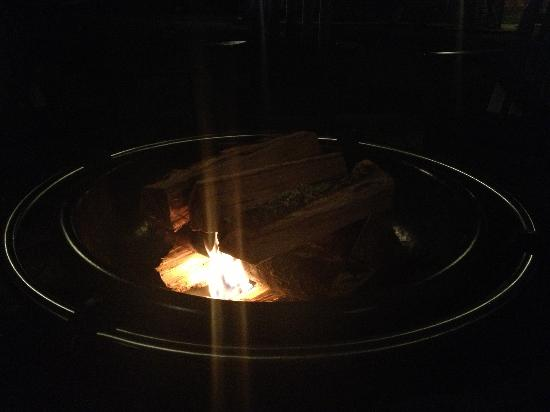 Inn at Lake Joseph: Outdoor fire pit for s'mores each night