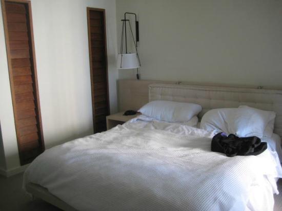 The Modern Honolulu: Bed