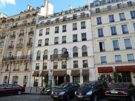 Hotel des Grands Hommes: Entrance to des Grands Hommes 