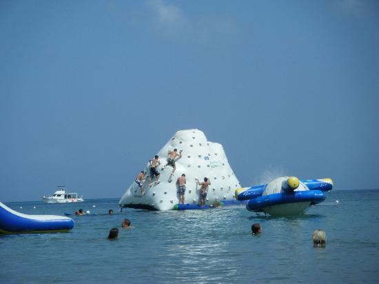 Paradise Beach: Climbing up the giant iceberg