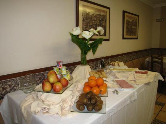 Migal Hotel Restaurant: desayuno