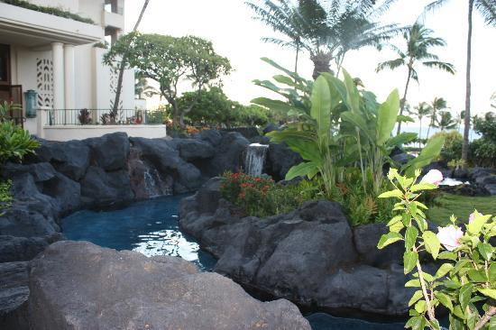 Grand Hyatt Kauai Resort and Spa: Entrance to room 6130 building