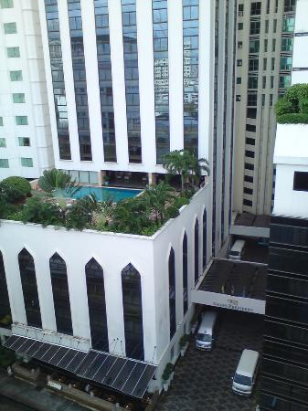 Grand President: Tower 1 pool