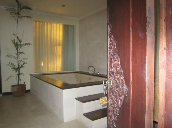 ‪‪Kamuela Villas and Suite Sanur‬: Jacuzzi