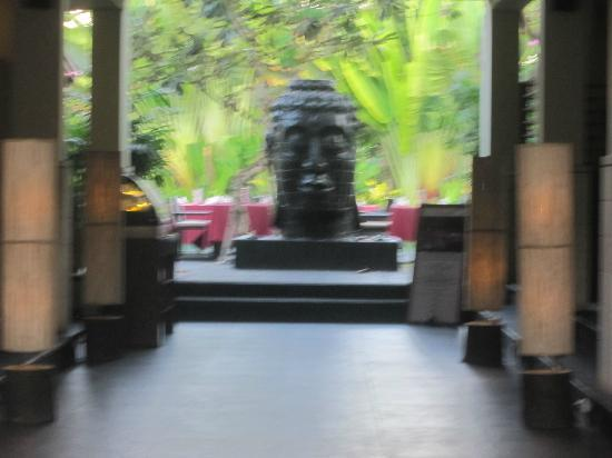 Kamuela Villas and Suite Sanur: Hotel Entrance