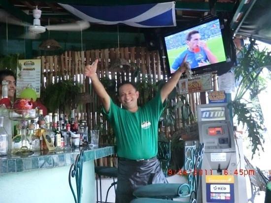 El Kiosco : Alfredo welcomes you with open arms!