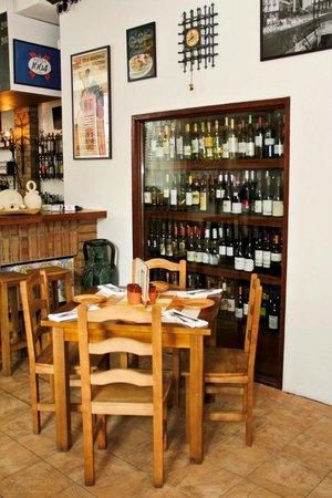 Los Primos Taberna Y Tapas Bar