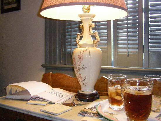Governor's Trace Bed and Breakfast: Guest book and sweet tea
