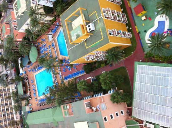 Apartamentos Primavera Loix: The view from 16th floor.