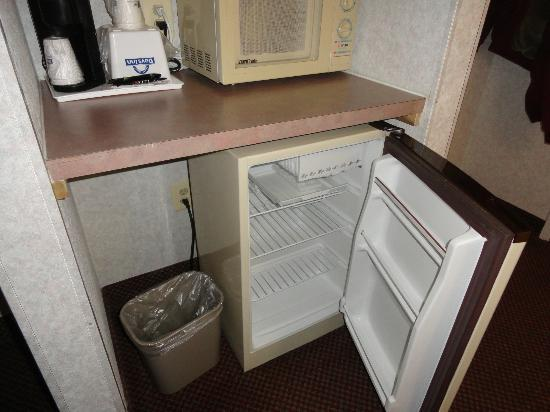 Days Inn Manassas : Fridge
