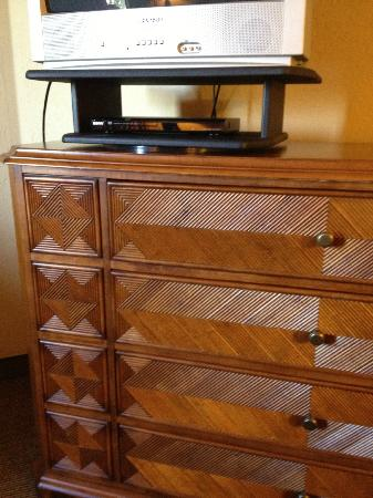 The Ridge Tahoe: Dresser (doesn't match anything else)