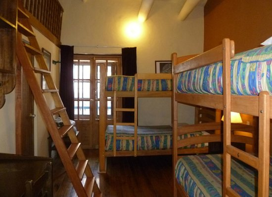 Hitchhikers Backpackers Cusco Hostel Image