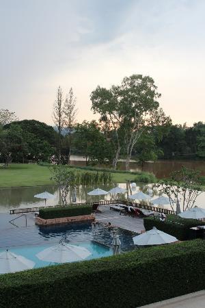 Le Meridien Chiang Rai Resort: Infinity Pool Overlooking the River
