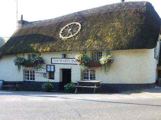 Tresillian, UK: The front of the pub, and our new signage