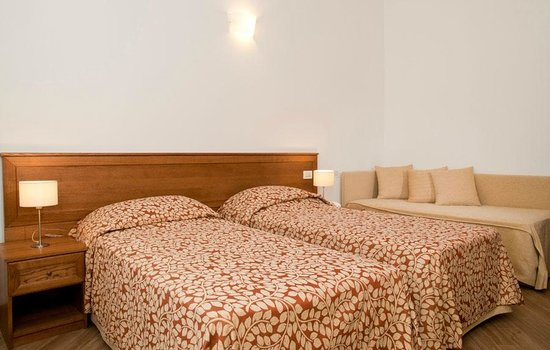 L'Isola del Sasso : double room with sofa bed