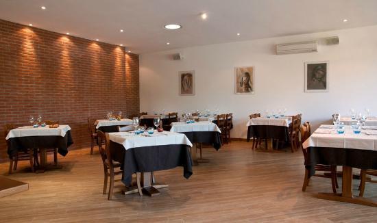 L'Isola del Sasso : The restaurant