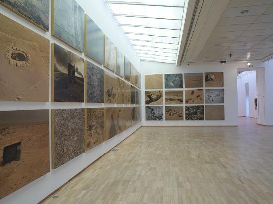 The Sophie Ristelhueber exhibition in 2009. Photo: A. Gisinger © Jeu de Paume