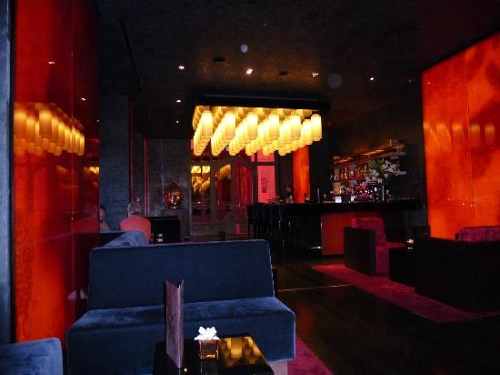Buddha-Bar Hotel Budapest Klotild Palace: Bar area
