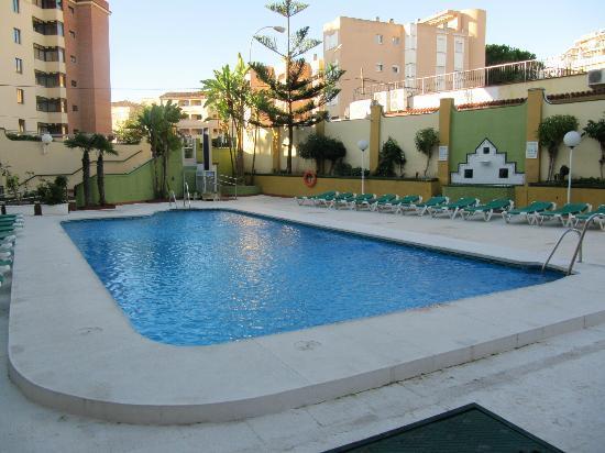 Ecuador Park Apartments: Hotel Pool