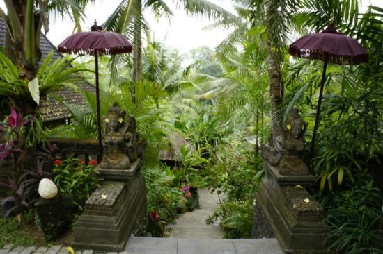 Bidadari Private Villas & Retreat - Ubud: Bidadari entrance