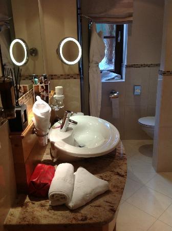 Unterschwarzachhof: Bathroom