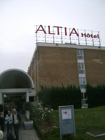 Altia Hotel : Front of Hotel
