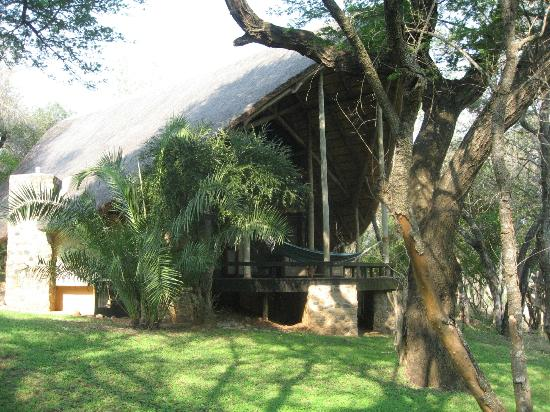 Amakhosi Safari Lodge: River suits