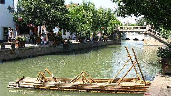 Zhujiajiao Ancient Town: water town!