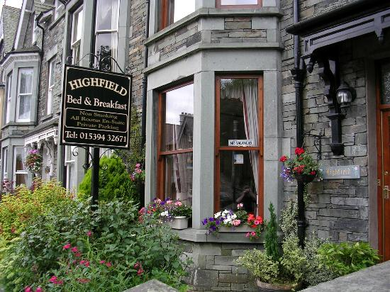 Highfield Bed & Breakfast: Front of B&B