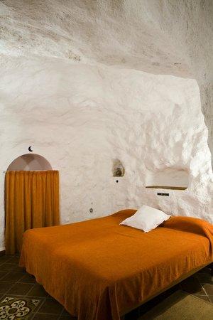 Apartamentos Montesclaros: dormitorio cuevas