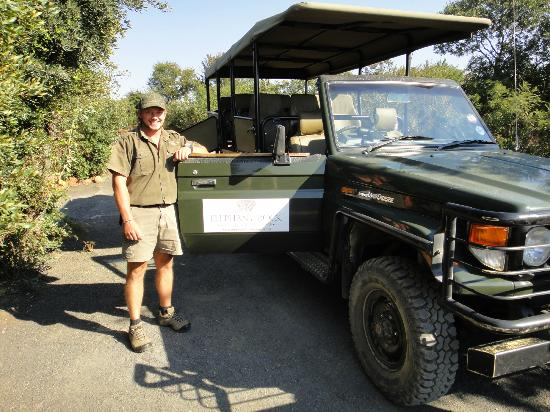 Elephant Rock Private Safari Lodge: Our ranger, JP, by his vehicle