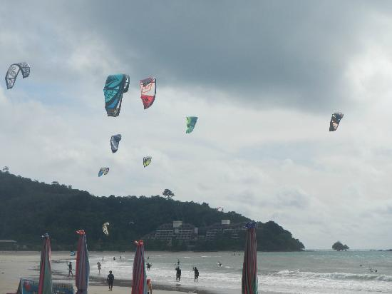 Airport Resort : Kite surfing area