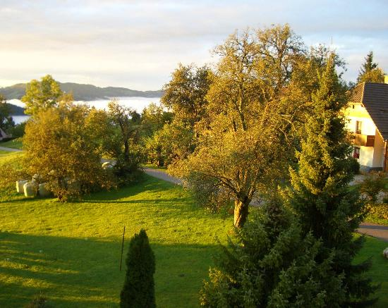 Pri Lenart Hotel: Early morning autumn view