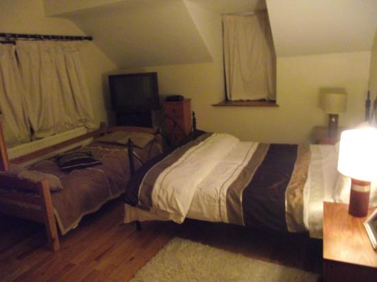Derg View House: BEDROOM