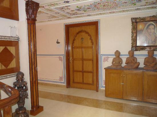 Sunder Palace Guest House: 1st floor