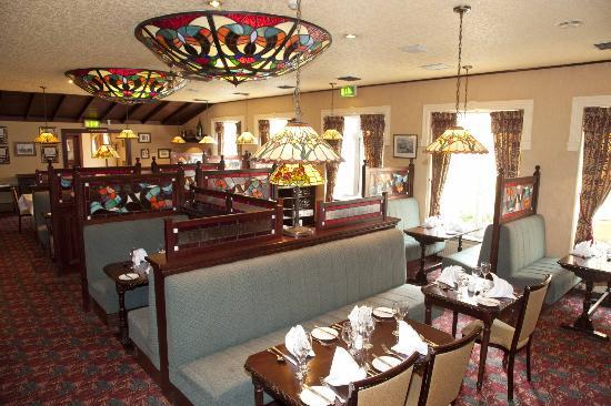Seven Oaks Hotel: TD Molloys Restaurant