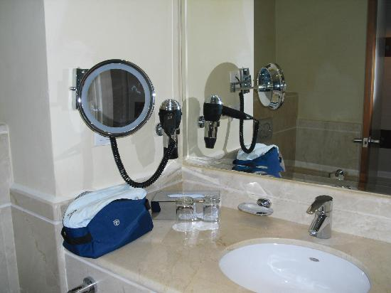 Iberostar Dominicana Hotel : Bathroom