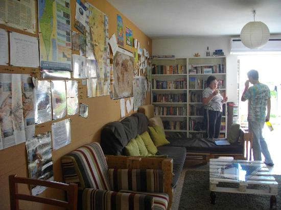 The Green Backpackers: living room