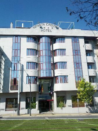 Hotel Infanta Cristina: Fachada