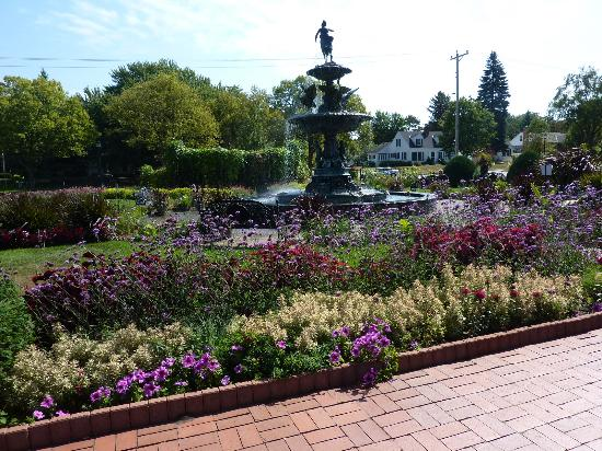 Saint Cloud, MN: The fountain at Munsinger Gardens
