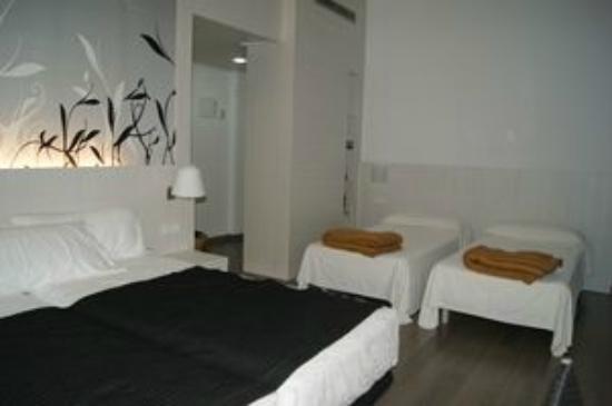 Hotel Mediterrani: Camas twin