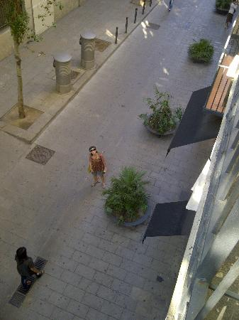 Hotel Banys Orientals: pretty Barcelona girls from the balcony