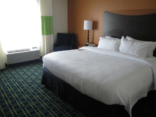 Fairfield Inn Lake Charles Sulphur: Super-comfy bed!