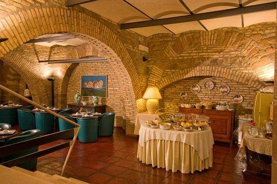Hotel Laurentia: Sala colazione