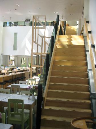 Lloyd Hotel & Cultural Embassy: Frühstücksraum / Restaurant