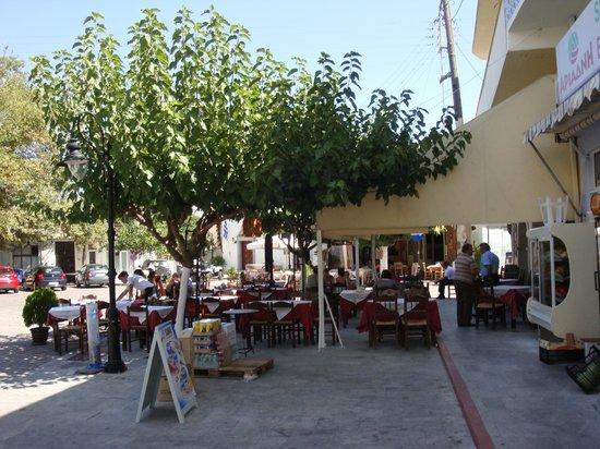Mochos, Grecja: La terrasse de la taverne