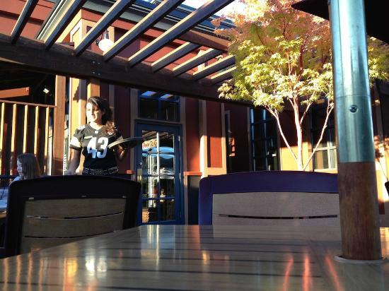 Silver City Brewery: Outdoor seating
